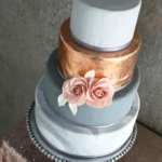 metallics and marble wedding cake